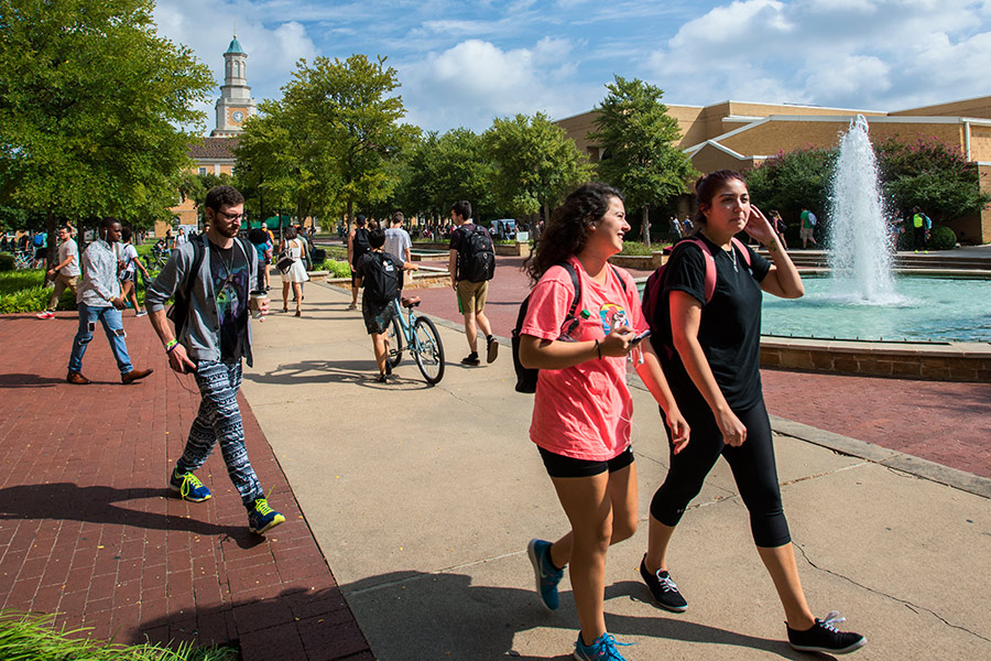 Students walking in the Library Mall